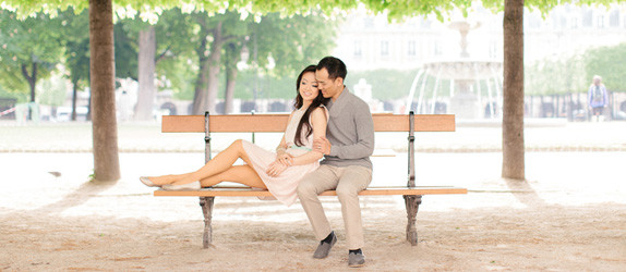 Paris photographer engagement